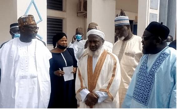 Sheikh Gumi Asks FG To Give Bandits 'Blanket Amnesty'