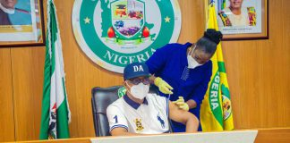 Ogun Governor, Dapo Abiodun Receives COVID-19 Vaccine