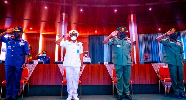 Buhari Decorates New Service Chiefs
