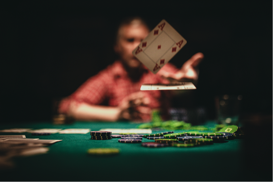 Online Poker Players in Europe Reveal Best Playing Strategies