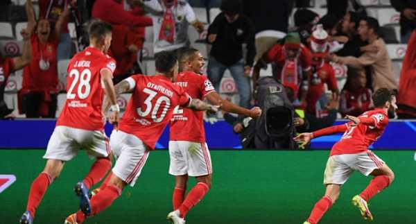 Benfica Humiliate Barcelona In Lisbon
